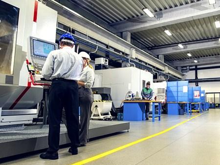 三星超越英特尔成全球最大芯片制造商